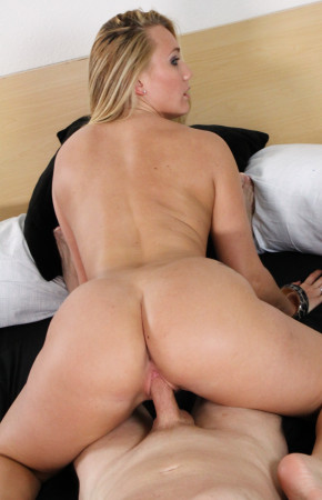 AJ Applegate Slowly Fucks His Dong While Showing Off Her Phat Ass