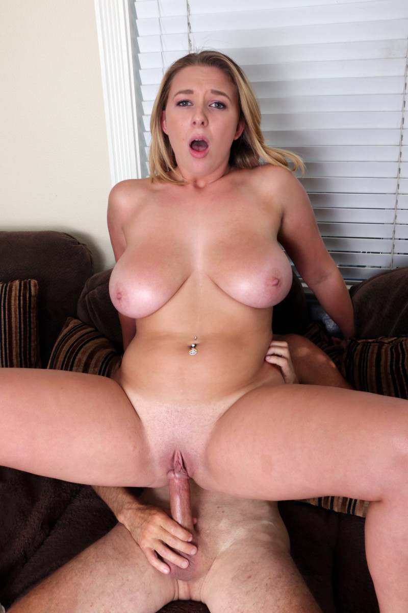 Brooke Wylde Goes Wild On Her Porn Agents Cock So He Makes Her A Star