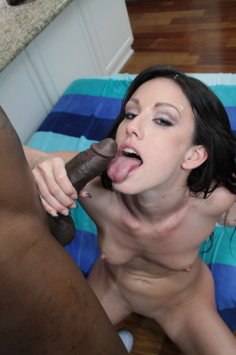 Sexy Brunette Jennifer White Gives Head To A Thug And Finishes With A Handjob On Her Face