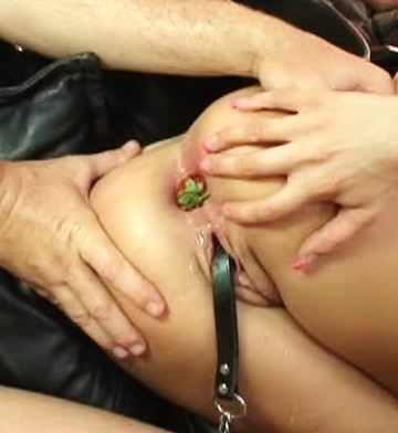 Kelly Wells gets Gangbanged In All Holes