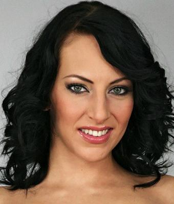 Lionella Knox